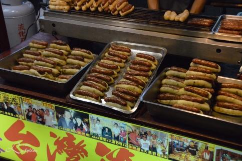 Pølser i brød Nattmarked i Kaohsiung City, Taiwan