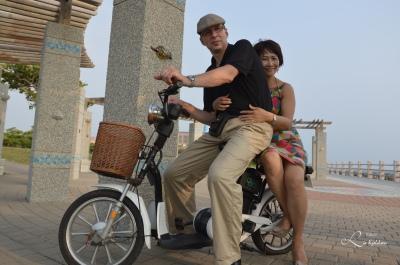 Oss to med vår batteridrevet sykkel i Cijin Taiwan
