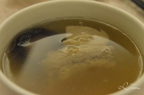 Vår 8 rettes middag på 5 stjernes restaurant - Oksesuppe med sopp