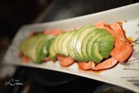 Rå laks med avokado