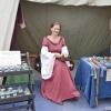 Oslo middelalderfestival - En vakker dame i et salgsbod